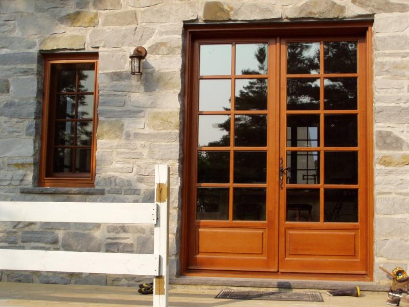 Maison st charles maisons traditionnelles des patriotes for Bourcier porte et fenetre