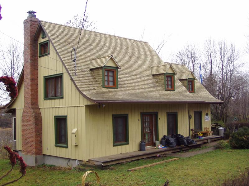 Maison bourcier maisons traditionnelles des patriotes for Bourcier porte et fenetre