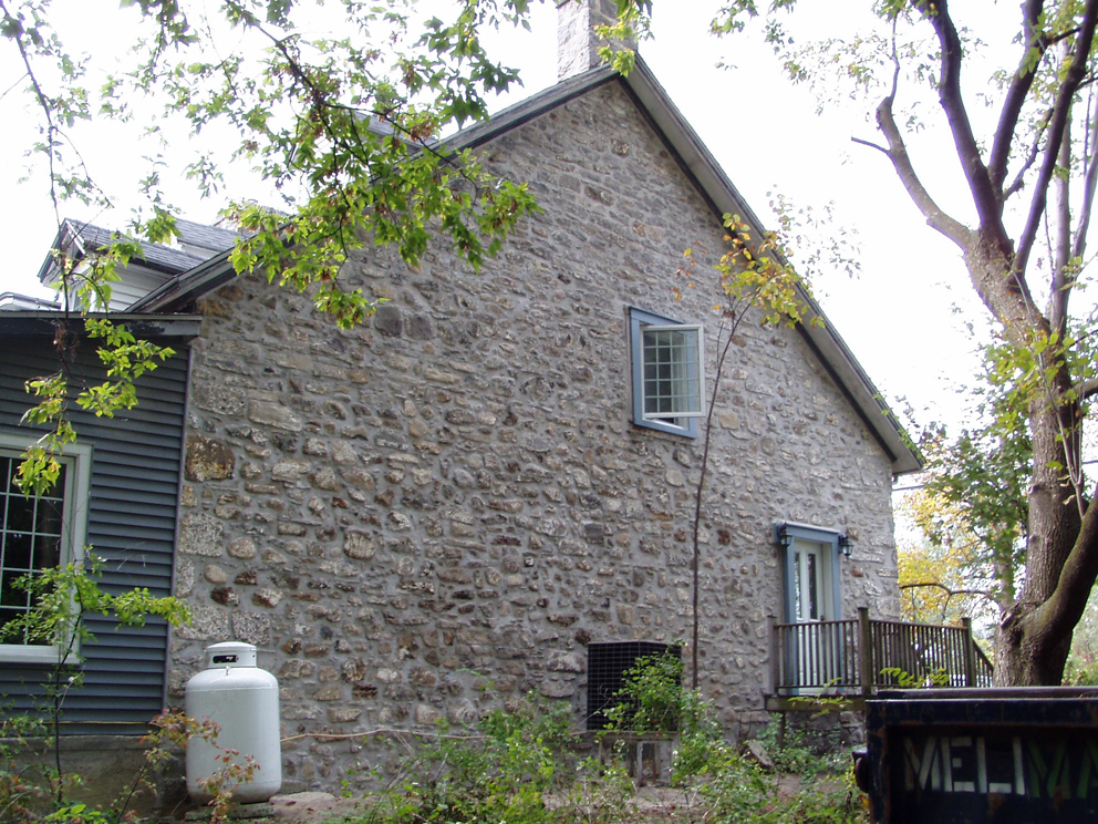 Maison viau maisons traditionnelles des patriotes for Bourcier porte et fenetre